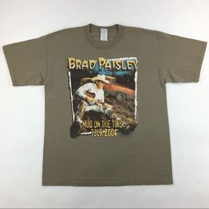 2004 Brad Paisley 'Mud On The Tires' Concert Tour